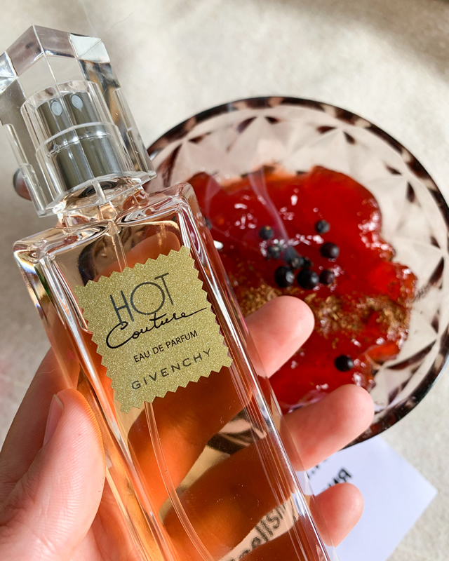 Парфюмерная вода 100 мл Givenchy Hot Couture