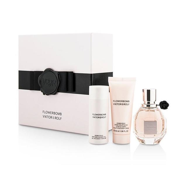 Набор (парфюмерная вода 50 мл + гель для душа 50 мл + крем для тела 40 мл) Viktor and Rolf Flowerbomb